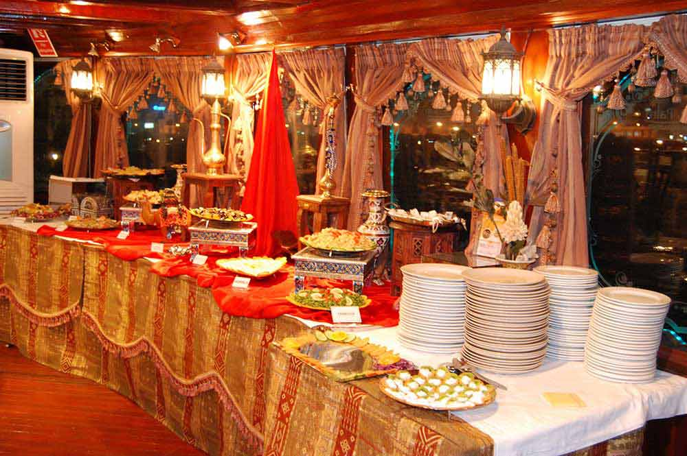 Dhow Cruise Dinner Image
