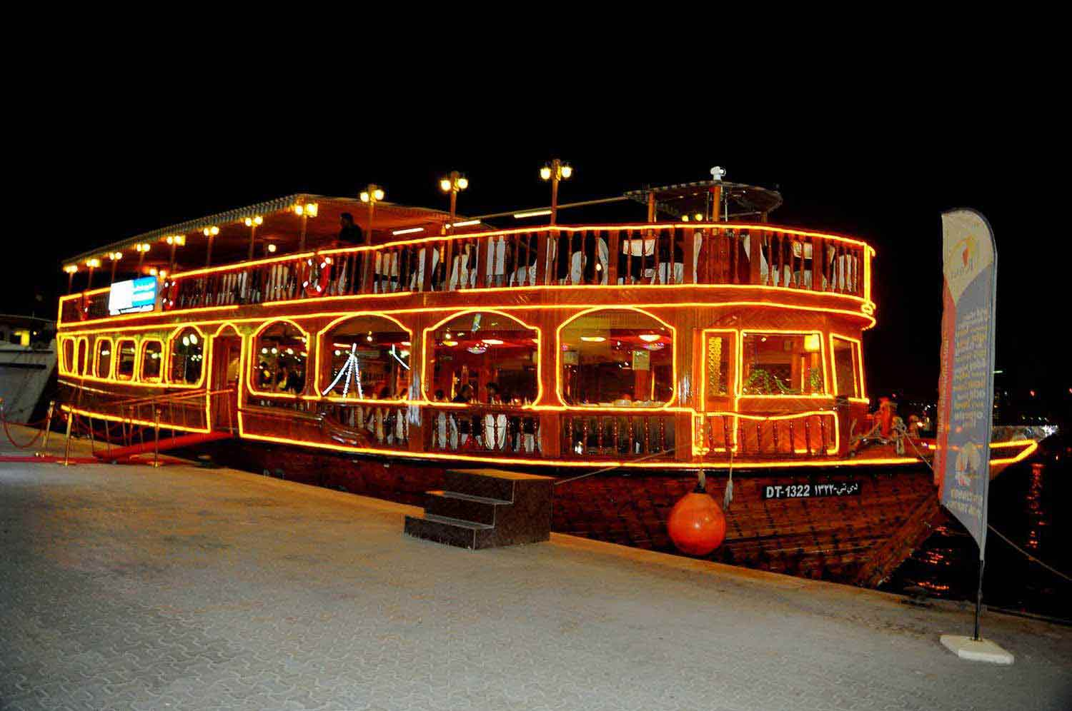 dubai-dhow-cruise-creek